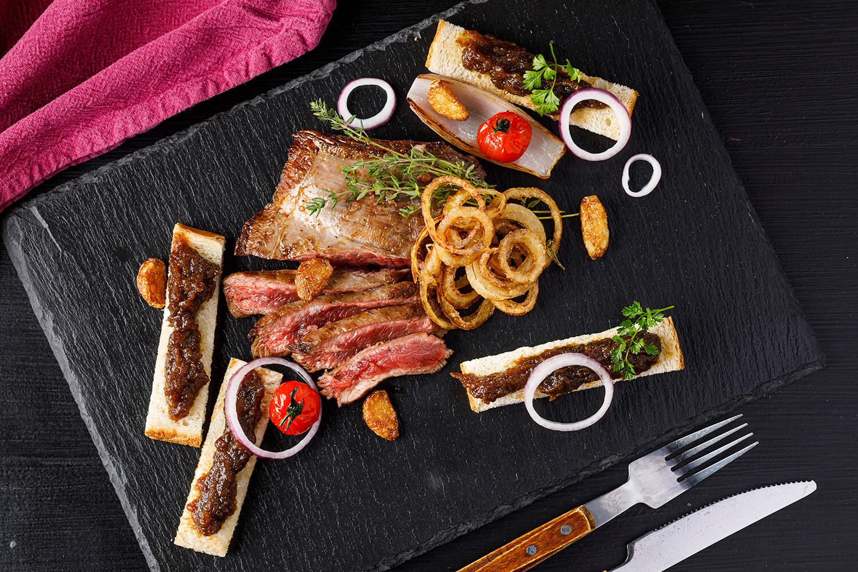 Šťavnaté hovädzie steaky na grile