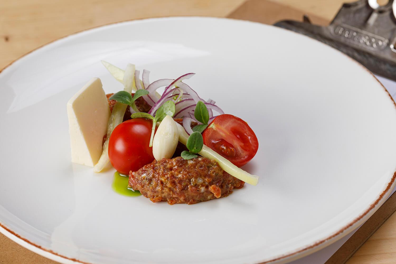 Tatársky biftek z hov. sviečkovej
